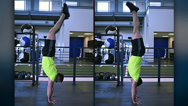 Arched vs Stacked Handstand