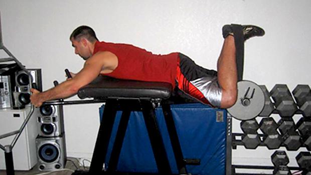 Bent-leg reverse hyper