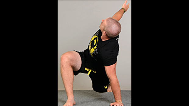 Deep Lunge with Rotation