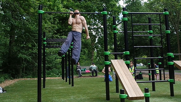 Park Pull-Up