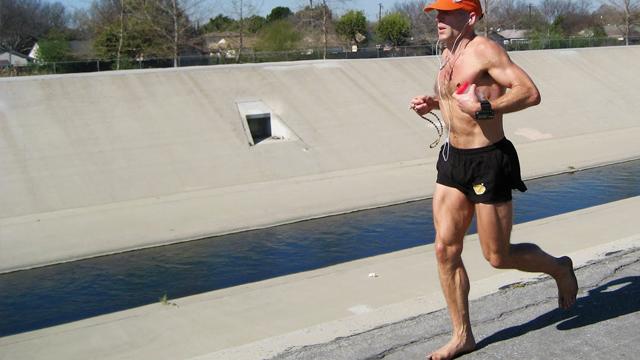 barefoot-jogging