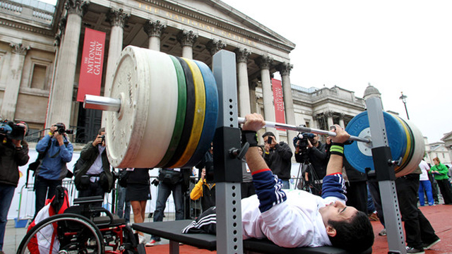 bench-press-paralympic