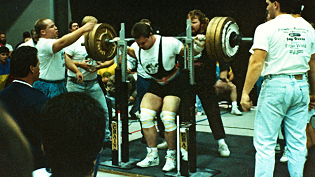 Young Dave Tate doing Squats