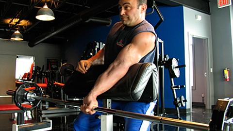 One-Arm Barbell Eccentric Scott Curl 1