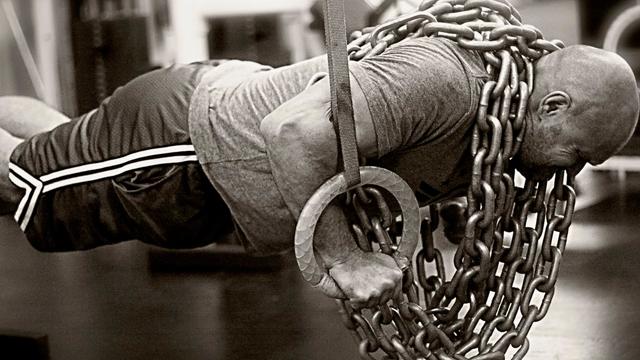 ring-pushups